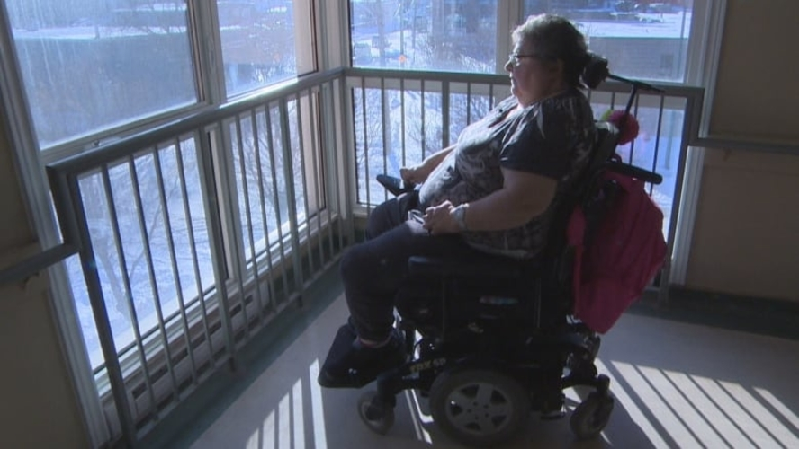 Manitoba Housing tenants feeling trapped after more than a week without working elevator